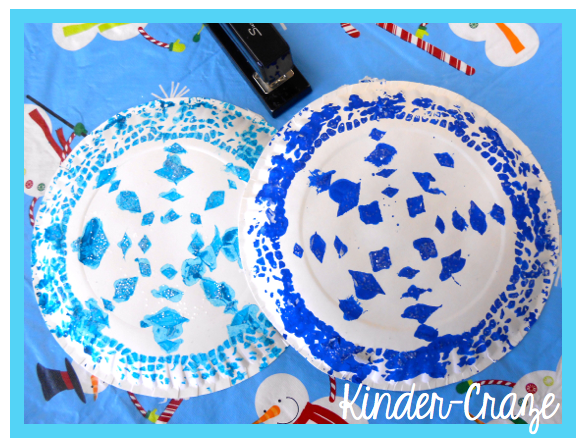 Tutorial for pretty snowflakes made from doilies and paper plates  sc 1 st  Kinder Craze & Dazzling Paper Plate Snowflakes