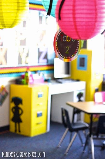beautiful teacher desk area in this kindergarten classroom