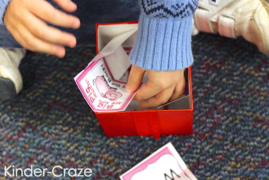 kindergarten word family game