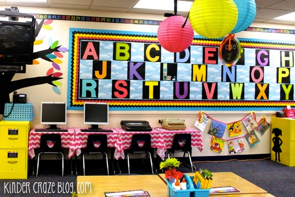bright kindergarten word wall