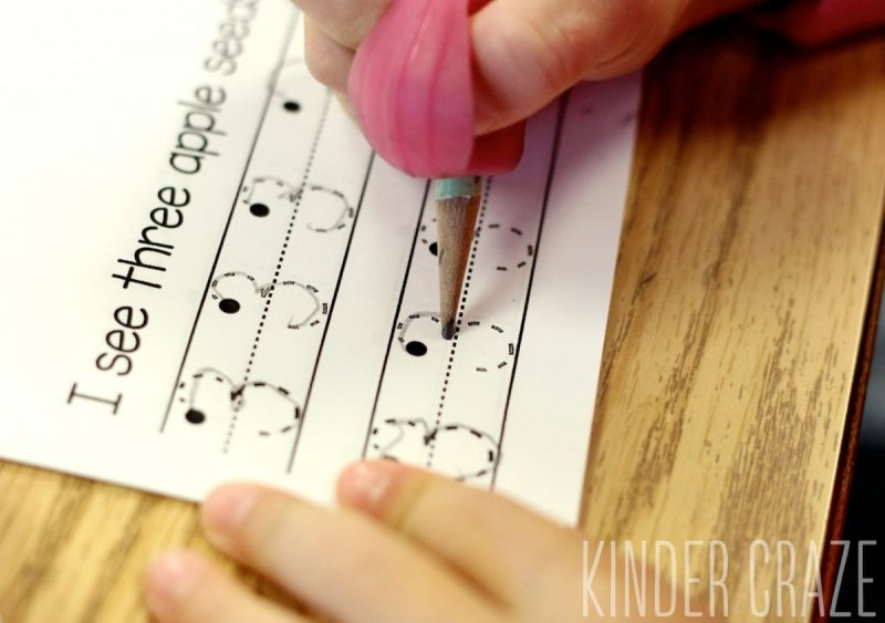 FREE apple-themed book to help students learn to write their numbers