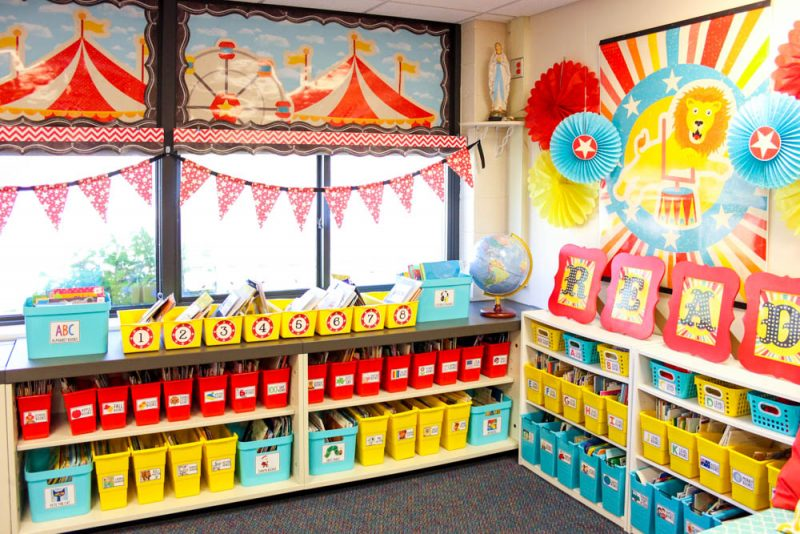 cute kindergarten classroom library