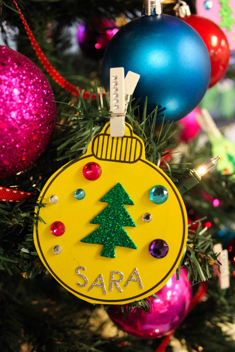 Classroom Christmas Craft Ideas Part - 24: Use Christmas Ornaments To Colorize Your Classroom Management