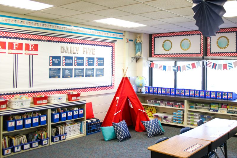 Love this adorable reading tent in Second Grade Nautical Theme Classroom Makeover | alternative seating | classroom design | classroom decor | Kinder Craze blog #backtoschool #classroom #classroomdecor #classroomlibrary #catholicschool #dailyfive #cafe